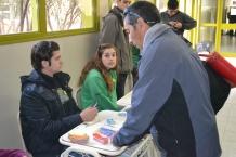 El Dr. Olivera, profesor acompañante de los y las estudiantes de Camwy al momento de la acreditación.