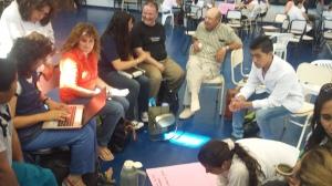 Grupo 9 trabajando con docentes de otras instituciones.