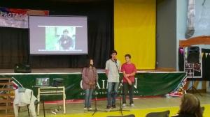 Rocío Díaz , Agustín Iberlucea y Maximiliano Monzón exponiendo sobre el uso responsable de los Agroquímicos.
